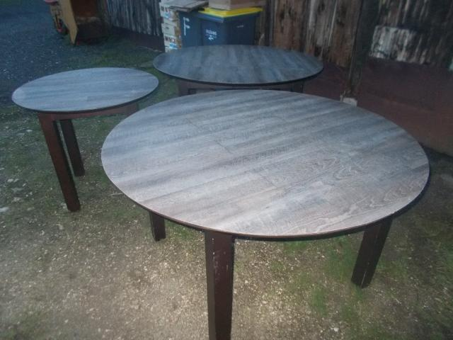 photo de 3 table rondes en bois tbeg  faire prix