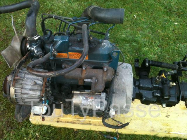 photo de MOTEUR KUBOTA Pinon