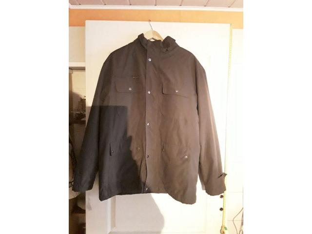 photo de TRES BEAU MANTEAU HOMME