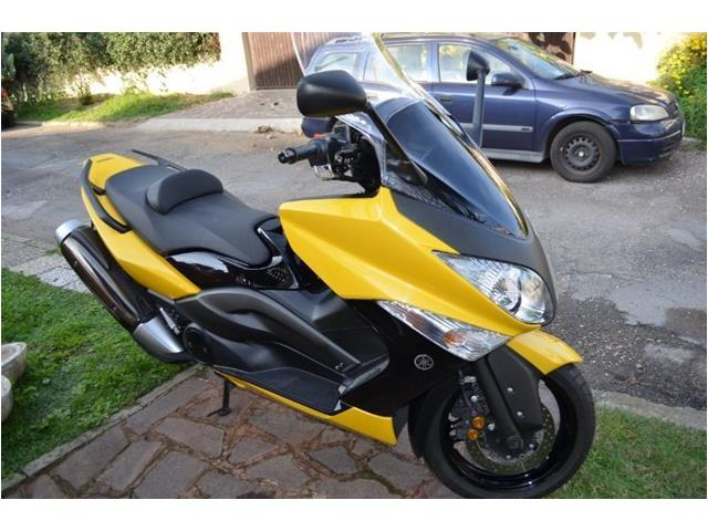 photo de Yamaha T MAX 500