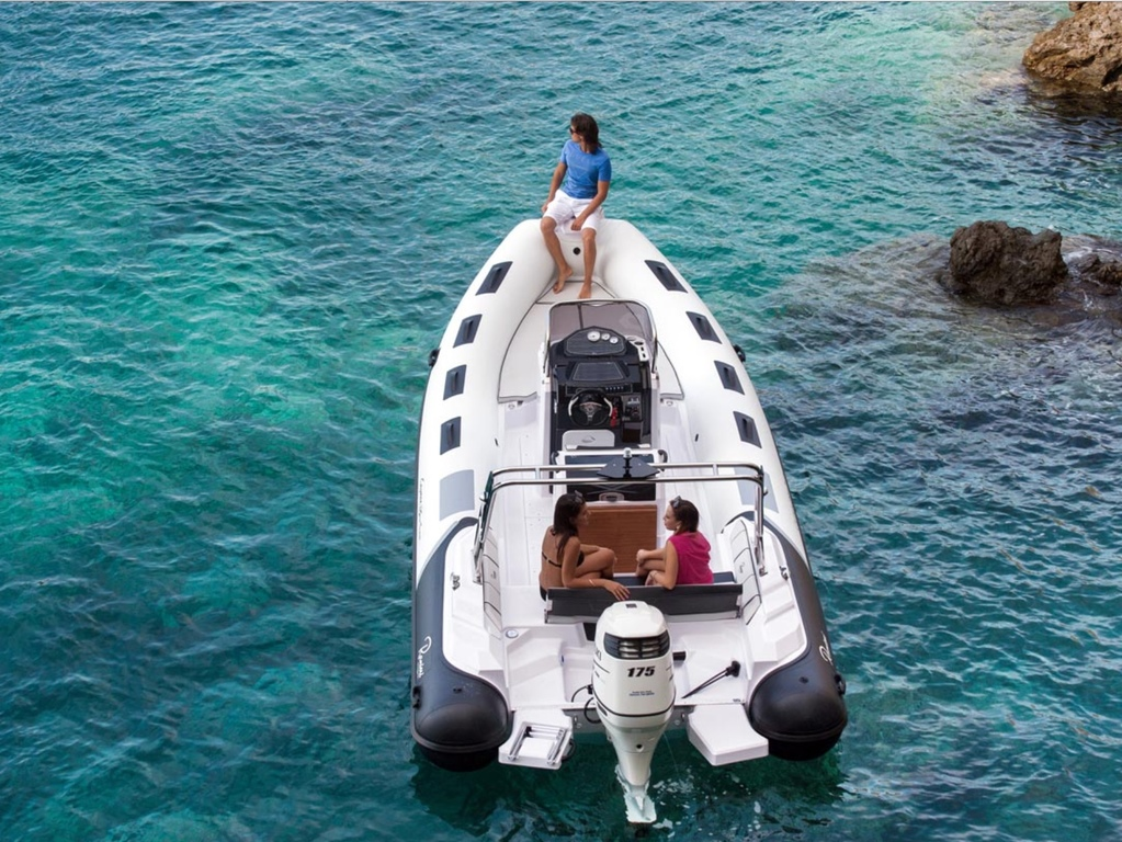 photo de Ranieri Cayman 23 ST